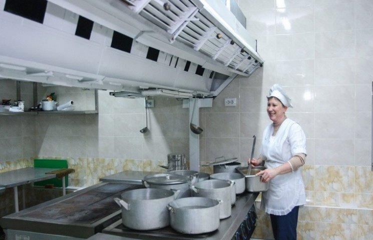 В міськраді Дніпра пропонують страви на мангалі