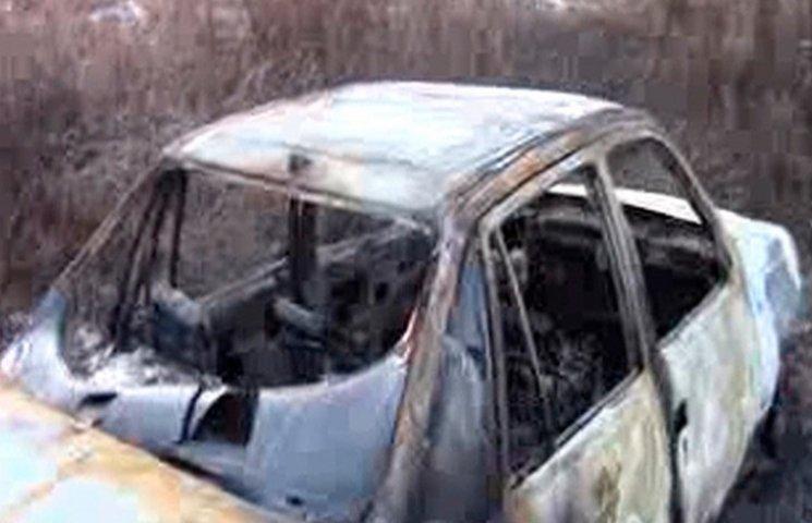 Поліція Буковини схопила юнака, який напав на чоловіка та викрав його  автівку (ВІДЕО)