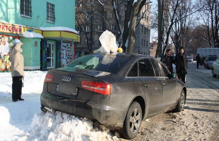 У Кременчуці затримали автівку серійного крадія