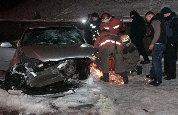 У Дніпрі в ДТП загинув водій автівки