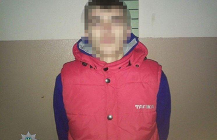 В Одесі патрульні затримали двох хуліганів, які стріляли по вікнам будинків