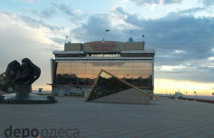 Кістіон доручив зробити все для завершення будівництва фасаду Одеського морвокзалу