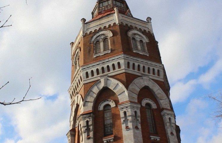 Символ Маріуполя: Як старовинну вежу перетворюють на культурний центр