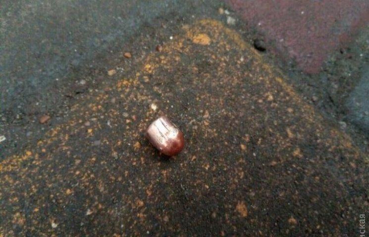 В Одесі застрелився чоловік, який стріляв у перехожого (ФОТО, ВІДЕО)