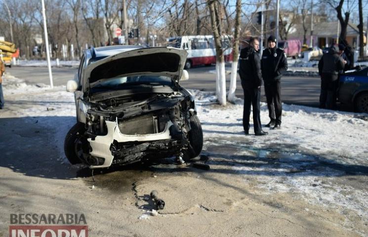 ДТП на Одещині. Автівка знесла світлофор