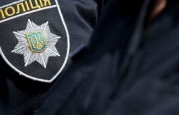 У Дніпрі поліцейський вимагав вимагав хабар у батьків проблемної дитини