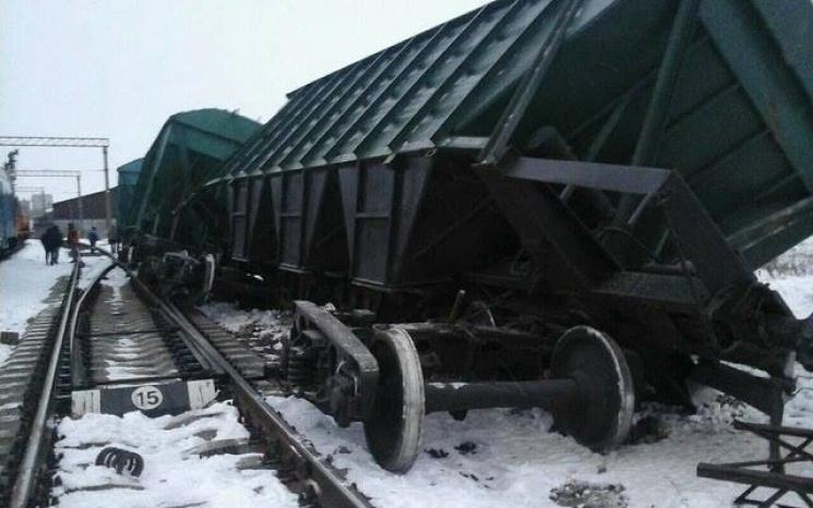 На Одеській залізниці зійшов з рейок товарний потяг