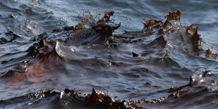 ВНовороссийске вморе разлилась нефть