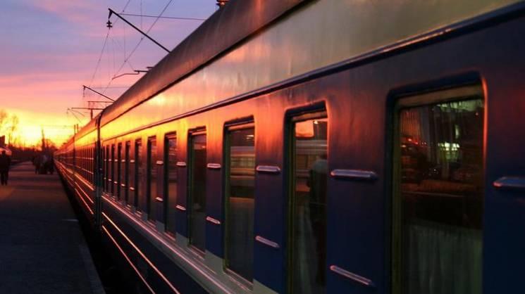 """""""Дев'ятий округ"""": Що виторгує """"Укрзалізниця"""" на афері з луганськими поїздами"""