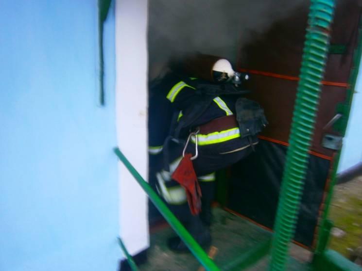 На Миколаївщині з пожежі витягли непритомного молодика - його ушпиталено (ФОТО)