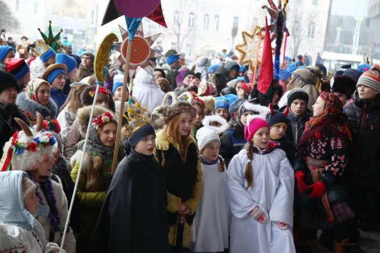 """Фестиваль щедрівок, собачі перегони та """"кузня Вакули"""": Вихідні в Харкові"""