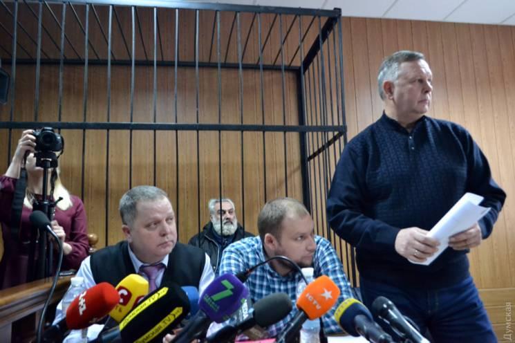 """Директору одеської """"Вікторії"""", у якій сталася трагічна пожежа, не змогли подовжити запобіжний захід"""
