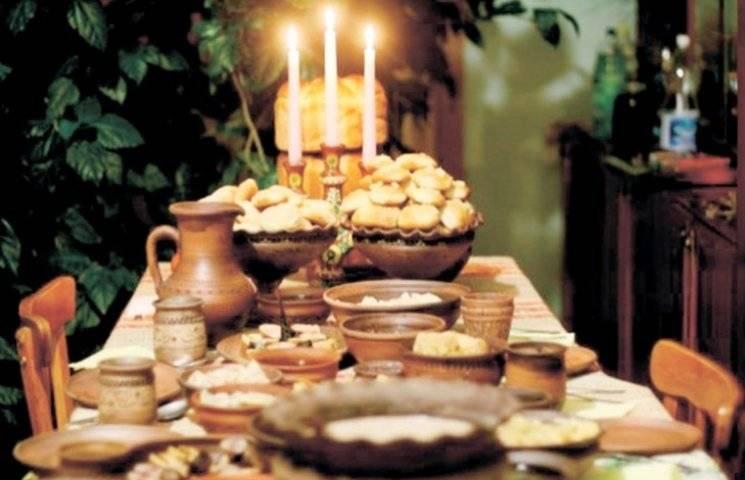 Для чого 12 січня на перехрестях кричать імена хворих людей, а на стіл подають їжу без солі