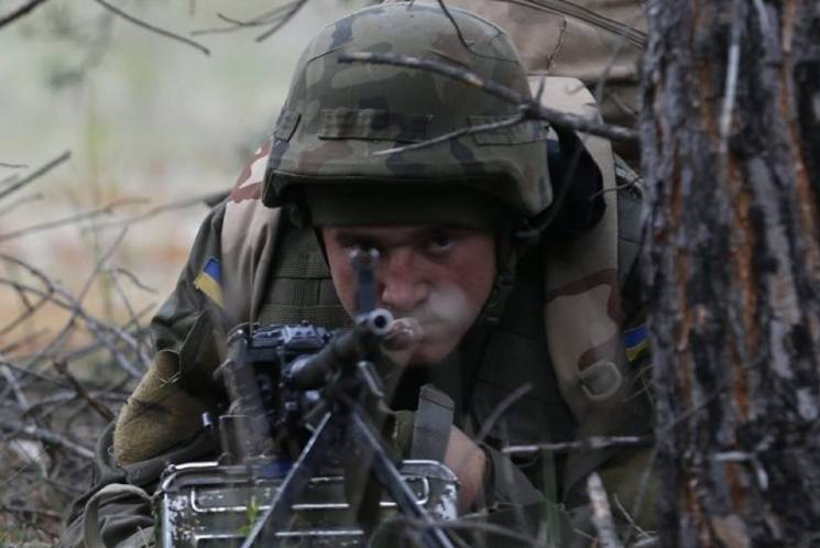 В АТО загинув воїн України, ще четверо - поранені