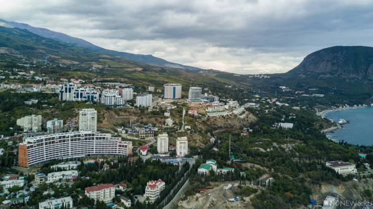 """У 2017 році окупанти """"віджали"""" у Криму понад 100 об'єктів"""