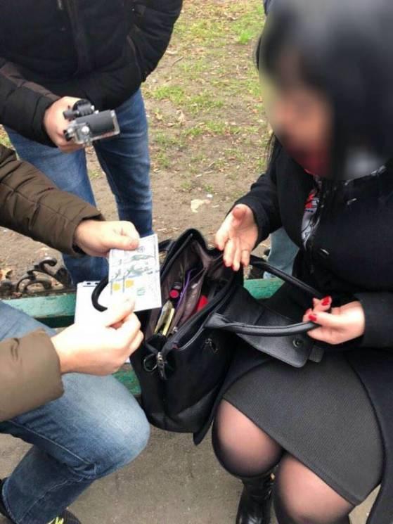 Керівниця відділу одного із ЖКС в Одесі продавала довідки по $600