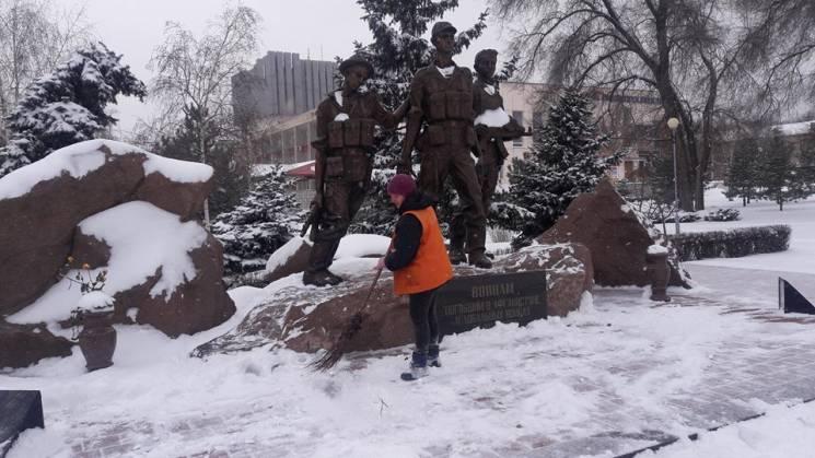 Як Запоріжжя зустрічає перший день справжньої зими (ФОТОРЕПОРТАЖ)