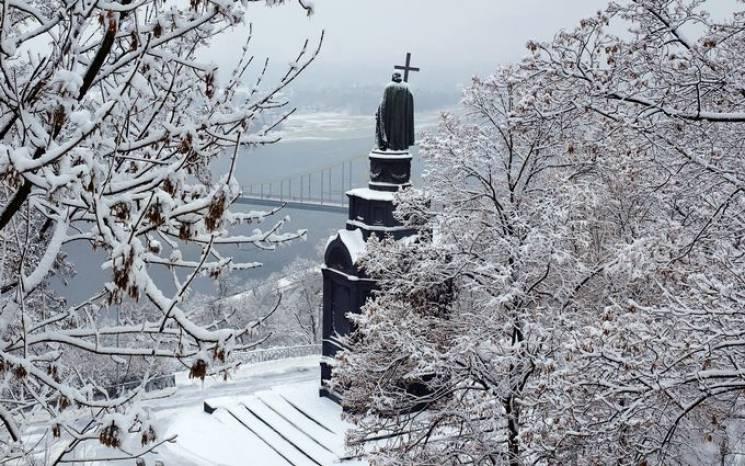 НаЗакарпатті сьогодні хмарно, сніг тадо7° морозу