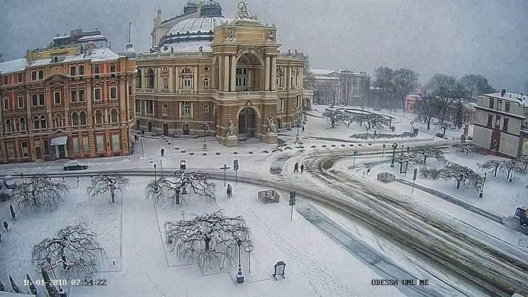 Одеса перетворилася на снігову казку (ФОТО)