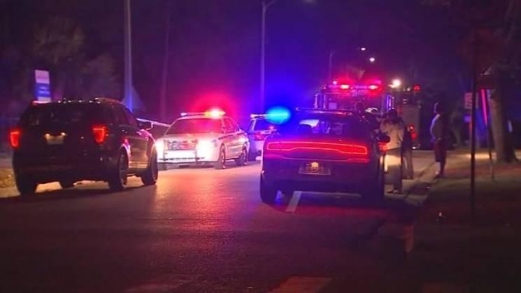 У США біля школи розстріляли підлітків: Поранено трьох дівчат (ФОТО)