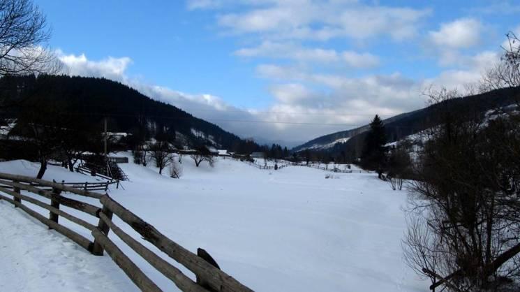Гірське село у зимових Ґорґанах (ФОТО)