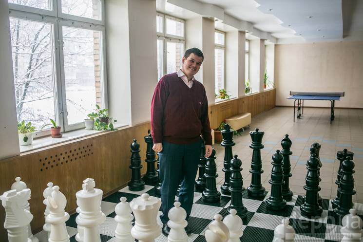 25-річний директор школи Дмитро Ламза: Вчіться, і я зроблю вам піар в Instagram