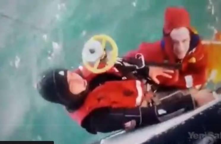 Біля Туреччини затонуло судно з українцями: Подробиці катастрофи (ВІДЕО)