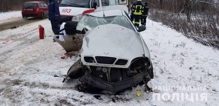 Смертельна ДТП на Одещині: Одна людина загинула, п'ятеро госпіталізовані (ФОТО)
