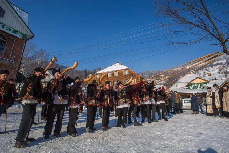 Гуцульська коляда: Як святкують Різдво у Карпатах — превью