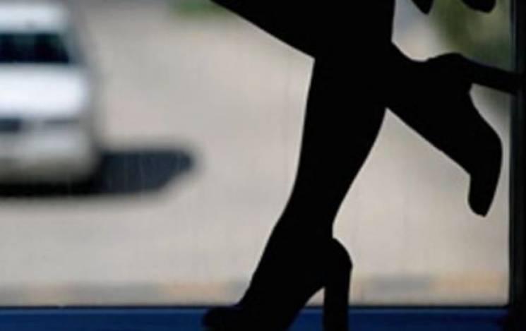 """Тернопільські копи """"накрили"""" відлагоджену мережу надання секс-послуг, до якої входило 14 осіб"""
