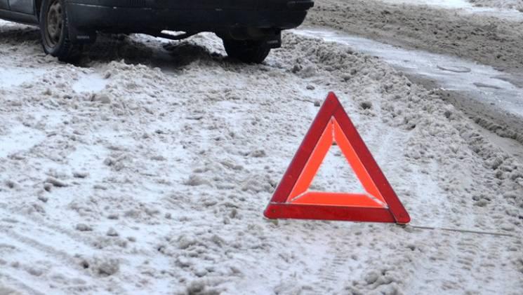 На Тернопільщині нетверезий пішохід потрапив під машину
