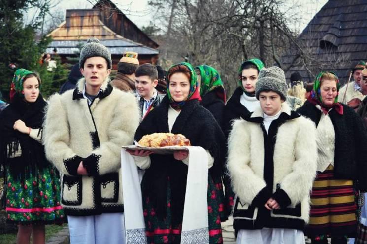 """В Ужгороді проведуть колоритні """"Коляди в старому селі"""""""