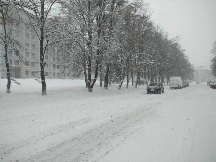 На Полтавщині триває ліквідація наслідків снігової негоди