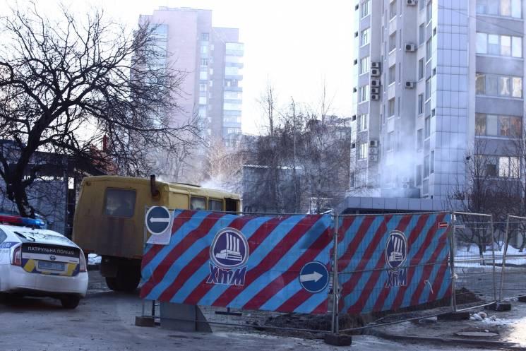 На Олексіївці обмежили рух через ремонт тепломережі