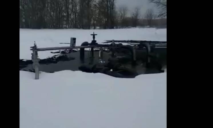 На Сумщині прорвало нафтопровід (ВІДЕО)