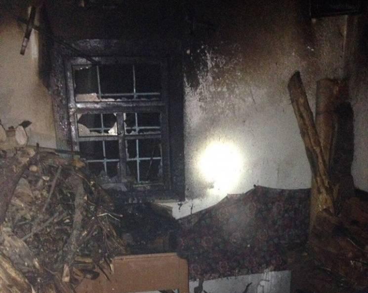 У Бершаді загорілася хата (ФОТО)