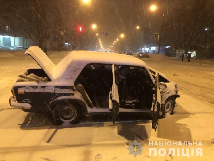 На ХТЗ розбилися дві машини: Постраждало четверо людей (ФОТО)