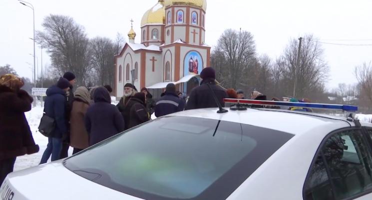 На Вінниччині московський піп скаржиться, що його не пускають до храму