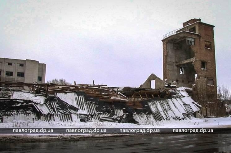 У Павлограді будівля старого млину не витримала товщі снігу і обвалилася (ФОТО)