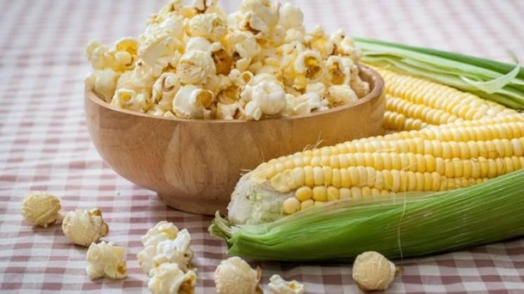 День народження попкорну: Цікаві факти про головну закуску для кіно