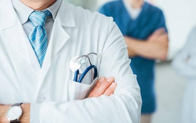 Черговою жертвою грипу став столичний лікар, який сам себе лікував