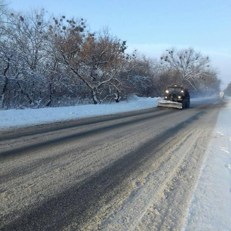Харківські дорожники попереджають про небезпечне явище на дорогах (ФОТО)