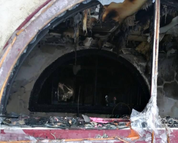 На Берегівщині вогнеборці врятували з палаючого будинку чоловіка (ФОТО)