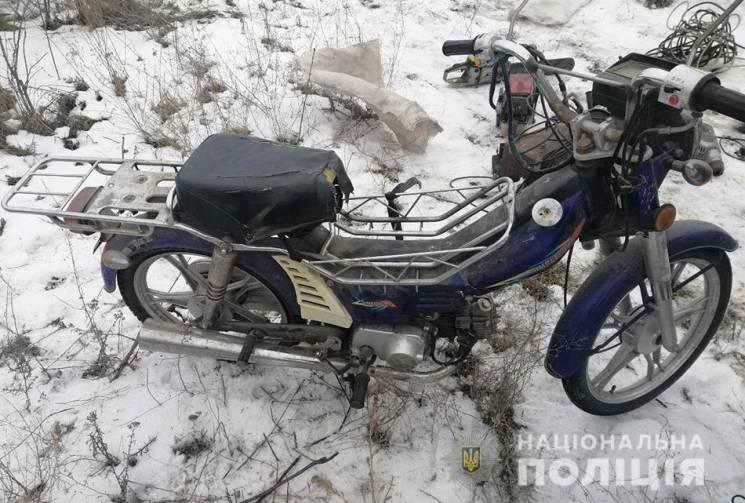 У запорізького селянина з гаражу вкрали скутер (ФОТО)