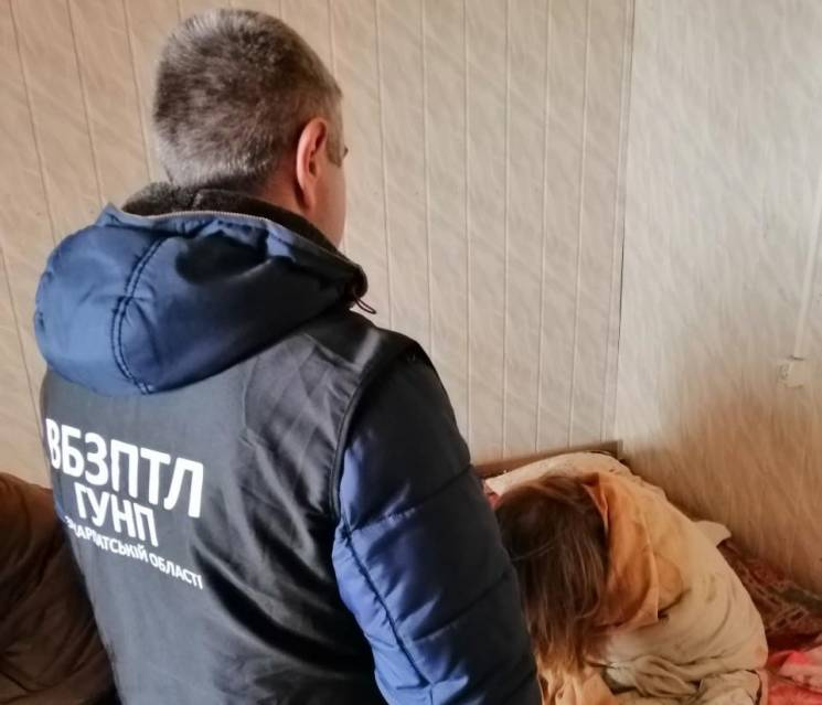 У готелі біля Ужгорода поліція зафіксувала факт звідництва (ФОТО)