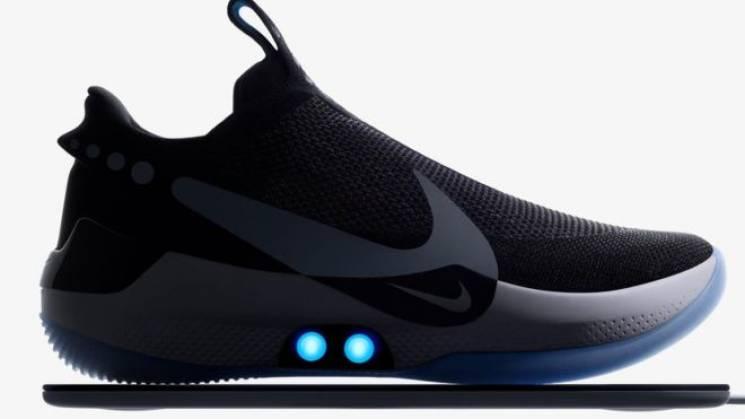 """Nike випустила """"розумні"""" кросівки з керуванням зі смартфона (ФОТО)"""