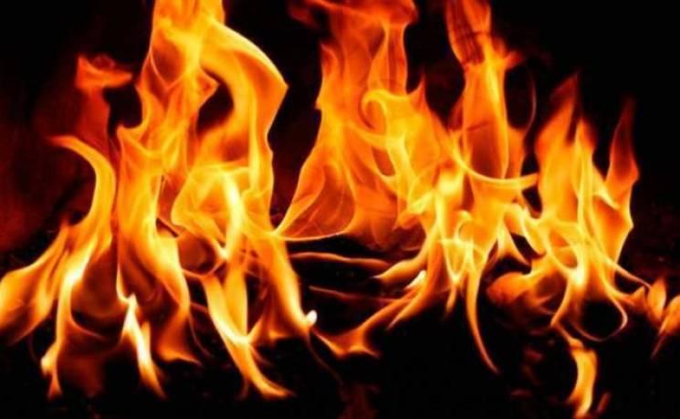 За минулу добу на Прикарпатті згорів автомобіль та церква