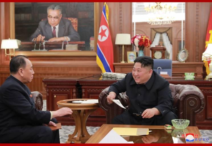 """Кім Чен Ин похвалився """"прекрасним посланням"""" від Трампа (ФОТО)"""
