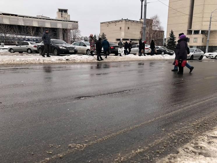 На нещодавно відремонтованій вулиці Дніп…