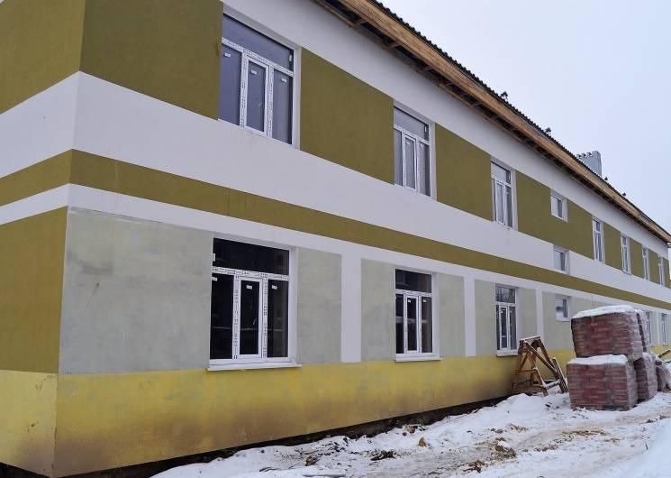 На Тернопільщині будують казарми покраще…